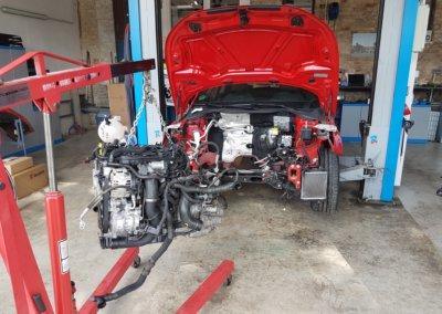 Einmal Motor raus um alle neuen Komponenten zu montieren