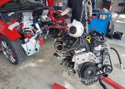 Motor wieder rein